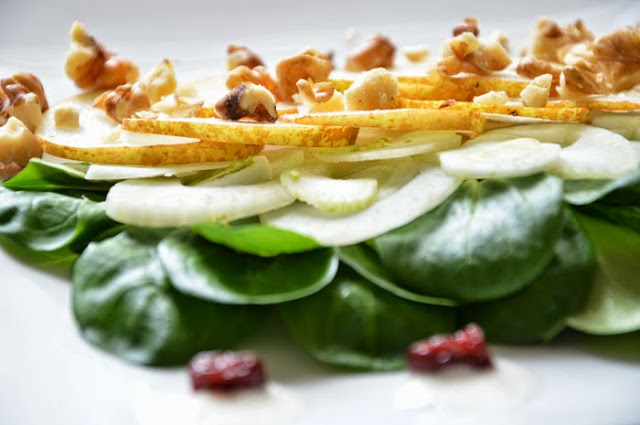 Fenchel-Birnen Salat mit Ziegenkäsedressing