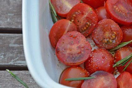 Ofen-Rosmarin-Tomaten und 'Marmelade und Eingemachtes - Mit Liebe verpackt' [Buch-Rezension]
