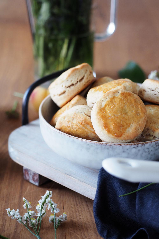 scones & kiwis