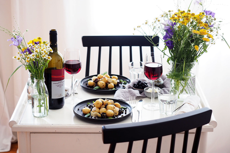 Hausgemachte Gnocchi mit Kapern & erfrischender Weißwein Slush