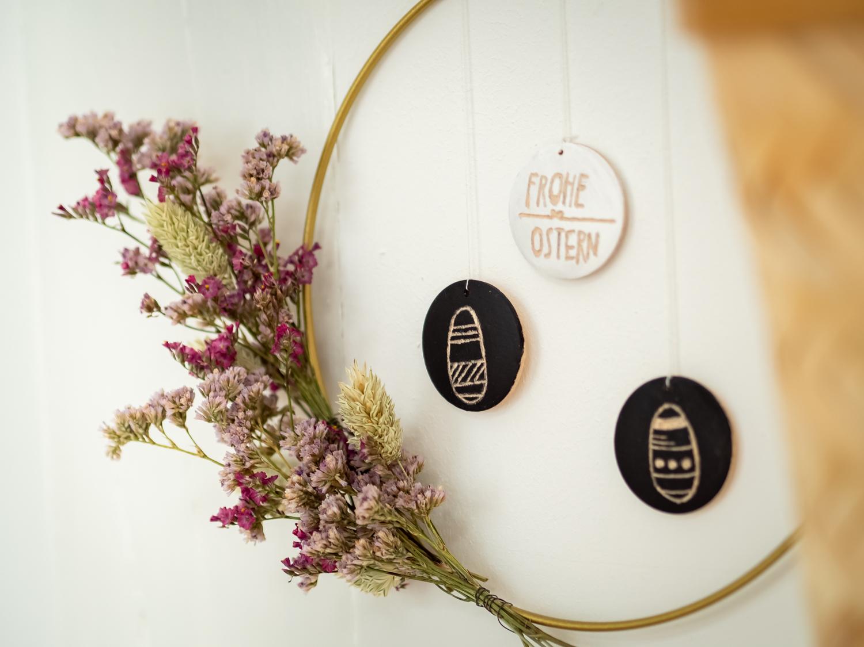 DIY: Ein Wandkranz mit Trockenblumen zu Ostern