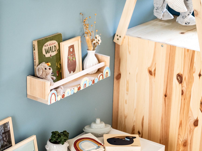 DIY Wandregal für das Kinderzimmer mit PILOT #IKEAHACK