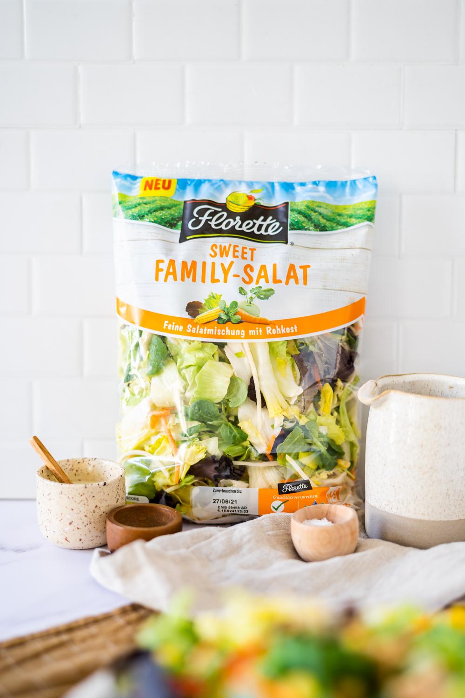family salat mit yufka röllchen